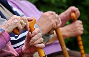 servizi-psicologo-anti-aging-e-assistenza-anziani1-700x447